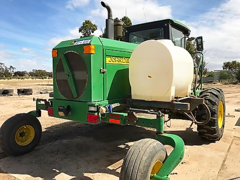 Cart 800 L tank on JD swather.jpg